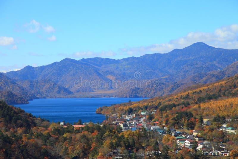 Kegon Falls och Lake Chuzenji i NIkko, Japan. arkivbilder