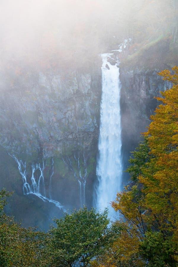 Kegondalingen, Waterval, de Reis van Japan stock foto