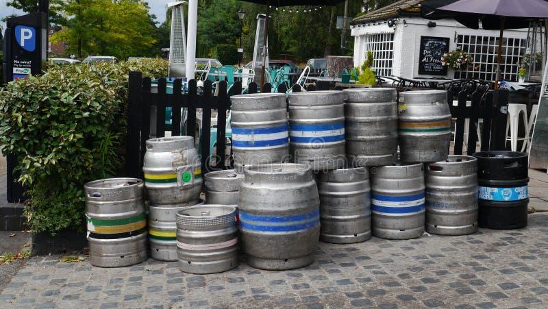 kegs wooden royaltyfri bild