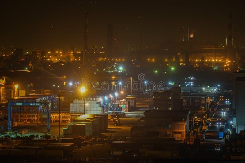 Keihin industriell zon som är synlig från Kawasaki Marien Kawasaki City, den Kanagawa prefekturen arkivfoto