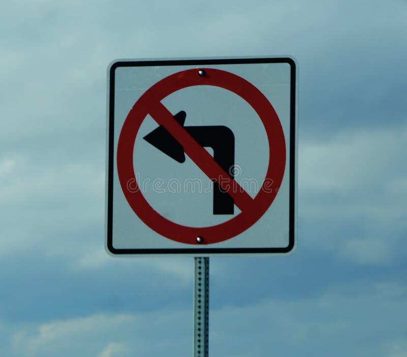 Kein linke Kurve-Zeichen lizenzfreie stockfotografie