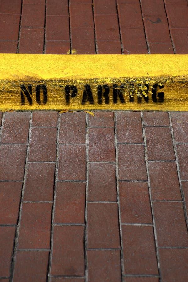 Kein Parkenzeichen auf Bordstein in der Feier Florida Vereinigte Staaten USA lizenzfreie stockbilder