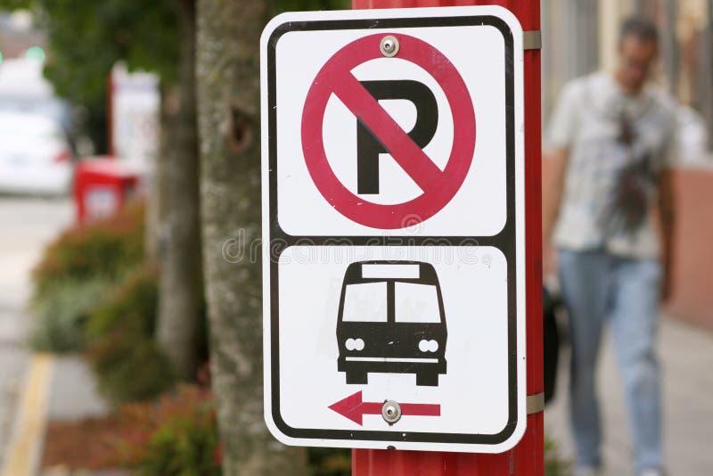 Kein Parkenzeichen bekannt gegeben lizenzfreie stockbilder