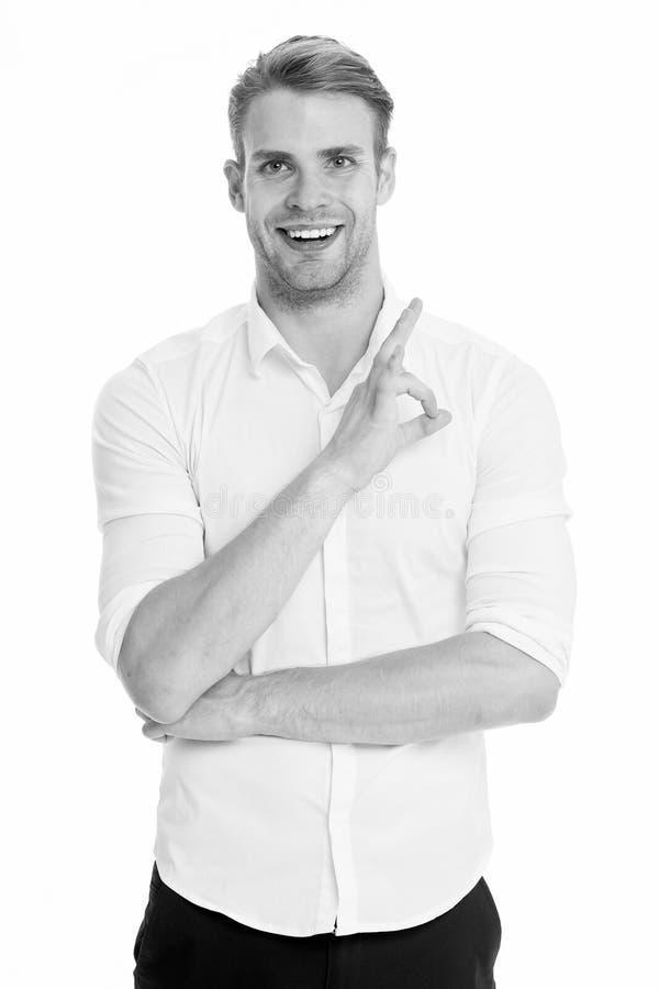 Keine Probleme Bemannen Sie das lächelnde Gesicht, das sicher bereites aufwirft, weißem Hintergrund zu helfen Kerl mit der Borste lizenzfreie stockfotografie