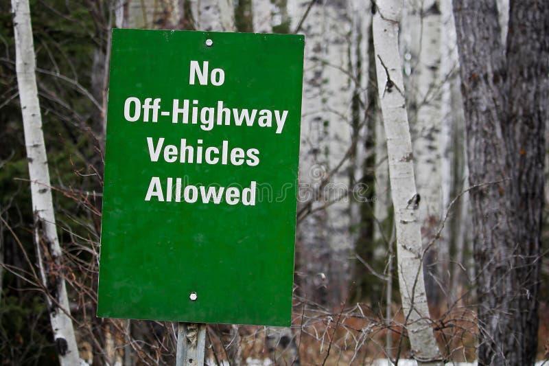 Keine weg Landstraßen-Fahrzeuge Zeichen erlaubt stockbilder
