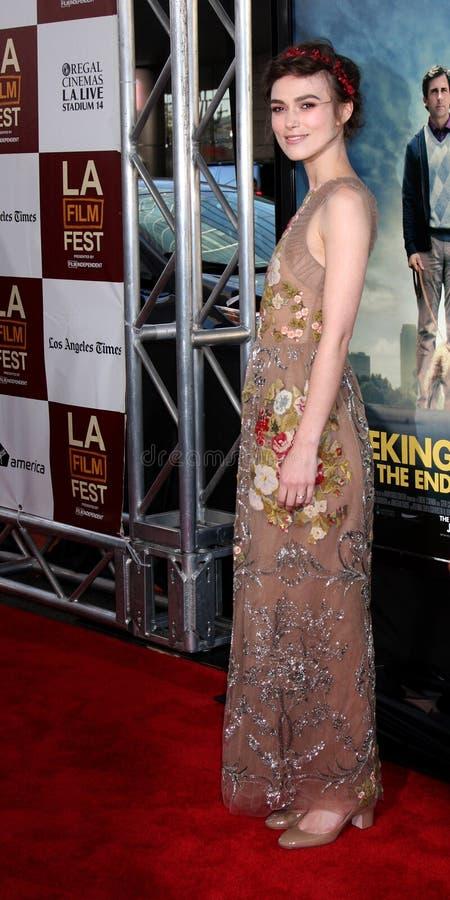 Keira Knightley komt bij aan   royalty-vrije stock afbeelding