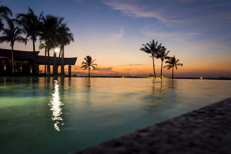 Keizerhotel zwembad, Brunei stock afbeelding