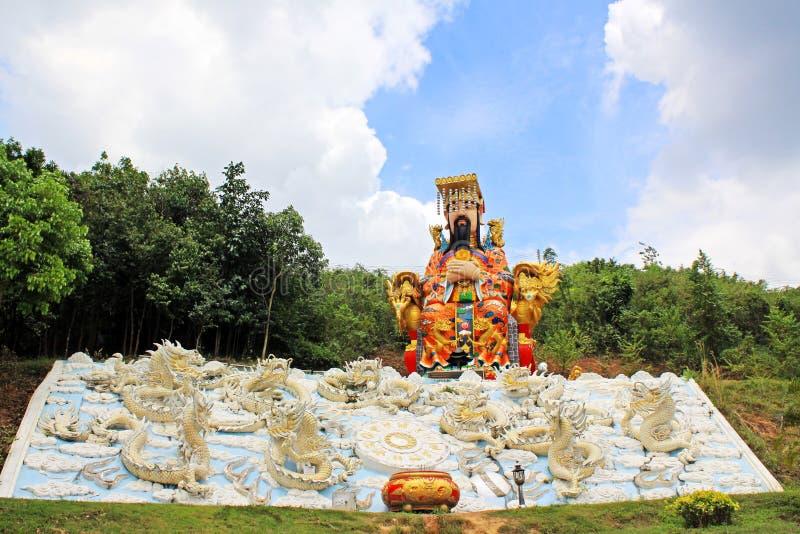 Keizerstandbeeld in Guan Yin Temple, het Gemeentelijke Park van Hatyai, Hatyai, Thailand stock afbeeldingen