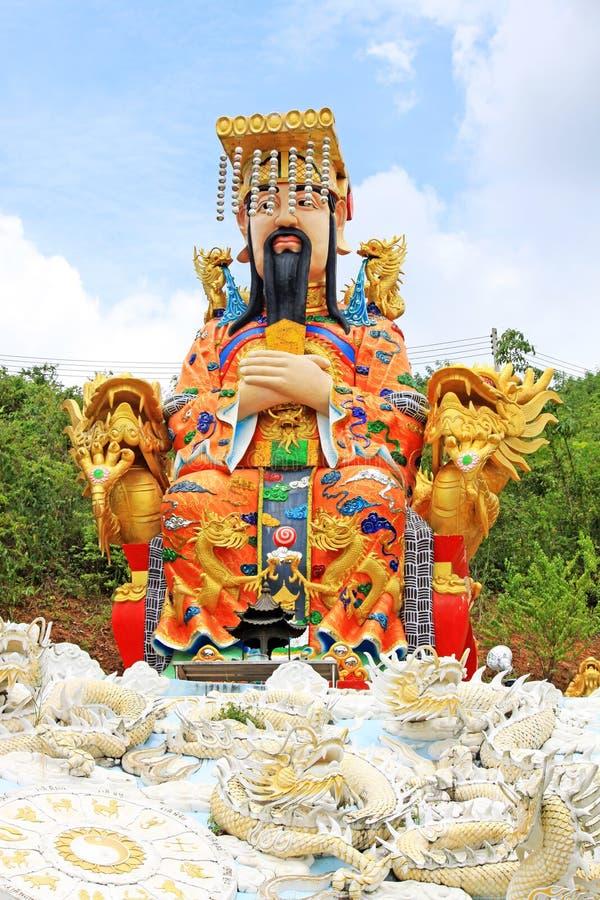 Keizerstandbeeld in Guan Yin Temple, het Gemeentelijke Park van Hatyai, Hatyai, Thailand royalty-vrije stock foto
