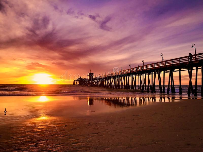Keizerstrand Californië bij zonsondergang stock foto's