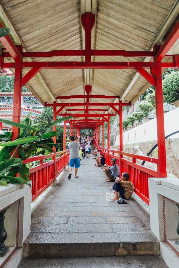 Kek Lok Si寺庙的入口是佛教寺庙在槟榔岛,并且是其中一个在海岛上的最响誉的寺庙 库存照片