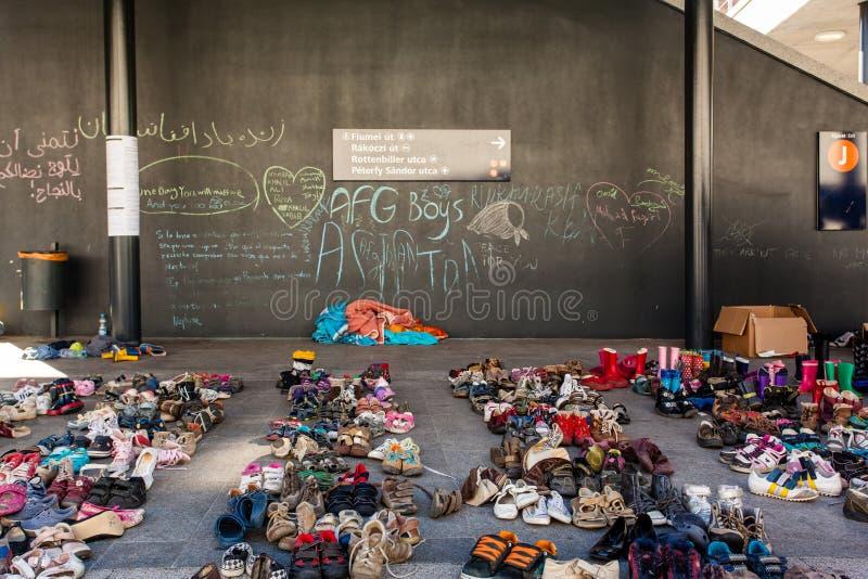 Download Keleti火车站的战争难民 编辑类照片. 图片 包括有 晚年, 穆斯林, 阵营, 迁移, 发芽的, koran - 59112366