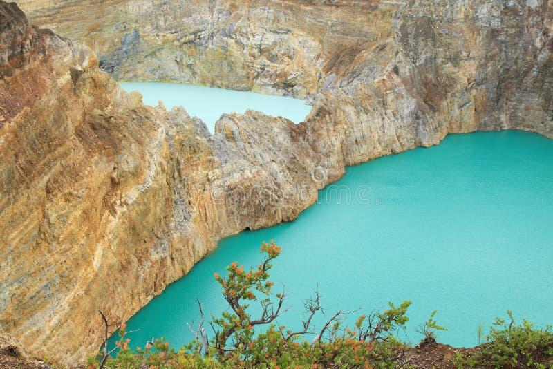 Kelimutu - unikalni jeziora cyna i klepnięcie zdjęcie royalty free