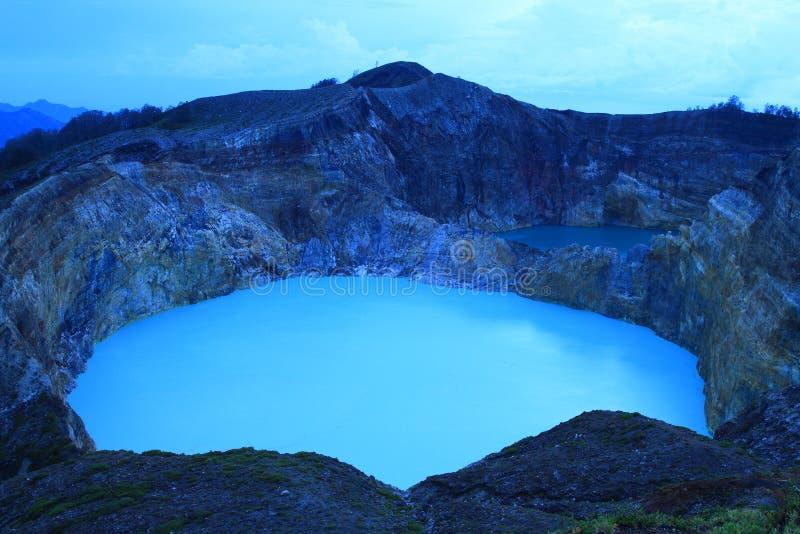 Kelimutu - unikalni jeziora klepnięcie i cyna zdjęcie royalty free