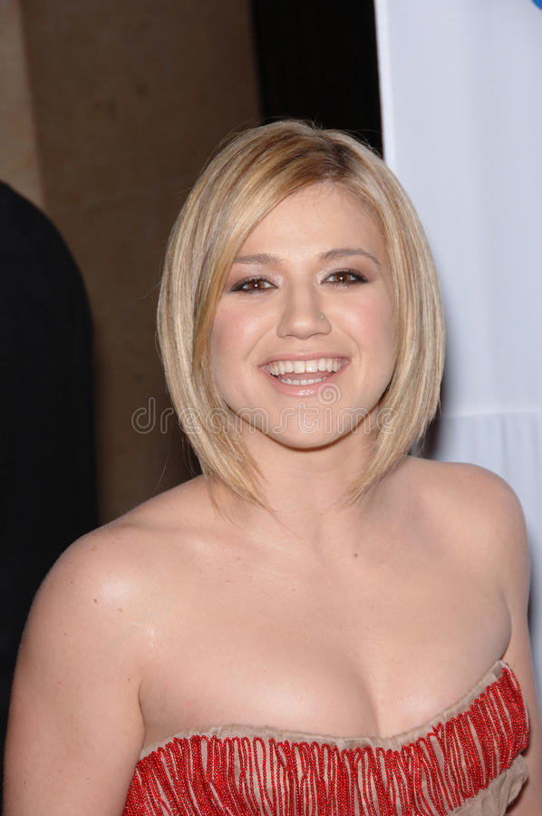 Kelly Clarkson Editorial Photography