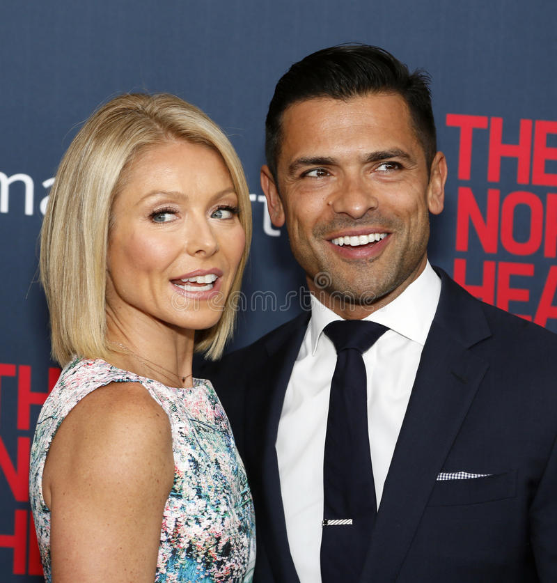 Kelly Ripa e Mark Consuelos fotografia de stock royalty free