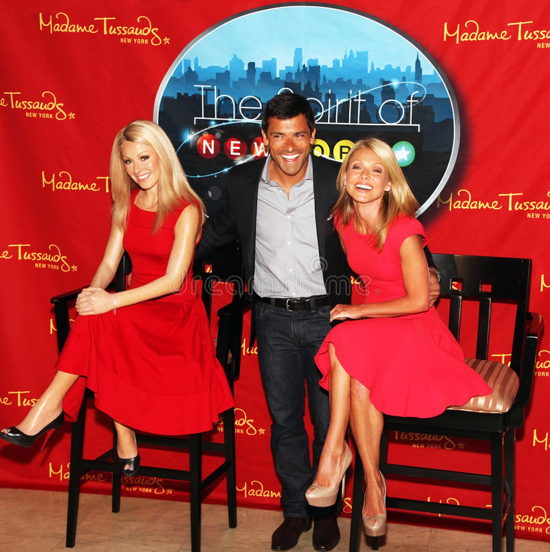 Download Kelly Ripa Unveils Wax Figure Of Herself Editorial Photo - Image of live, host: 22116581