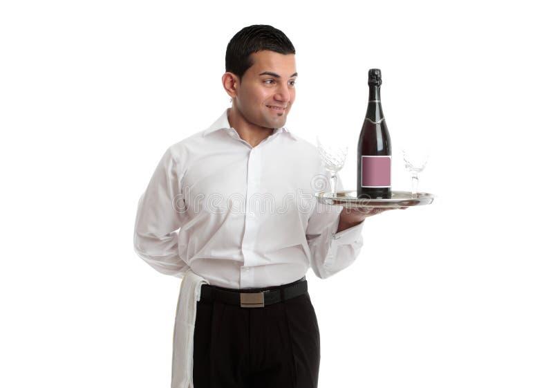 Kelner of bediende die wijnbouwproduct bekijken royalty-vrije stock afbeeldingen