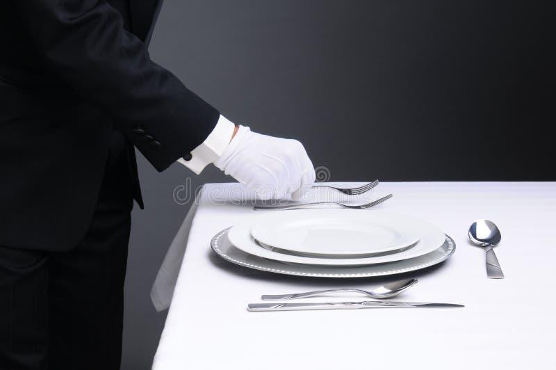 Kelner TARGET163_1_ Gość restauracji Formalnego Stół obraz stock