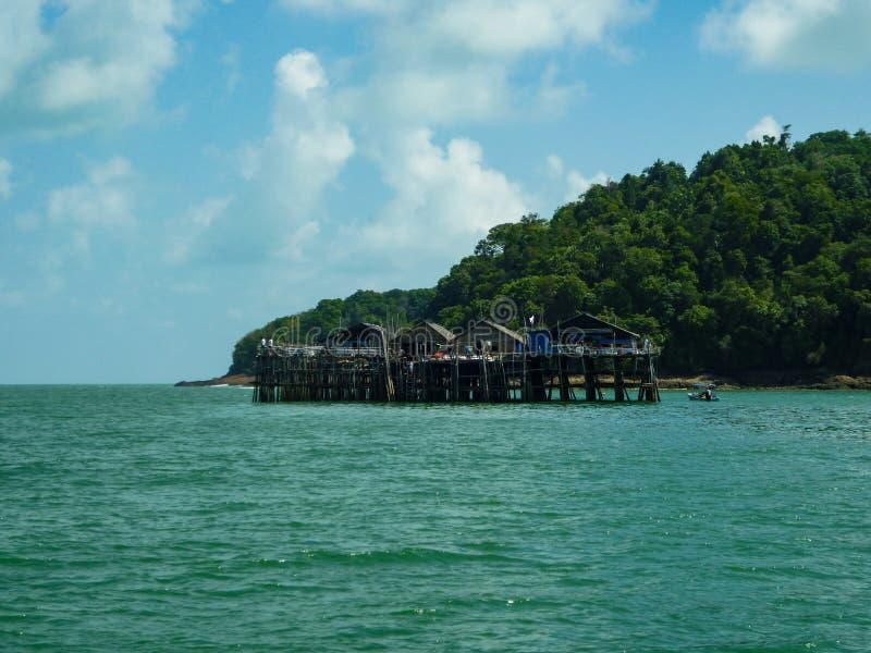 Kelong en la opinión del mar de Johor fotos de archivo libres de regalías