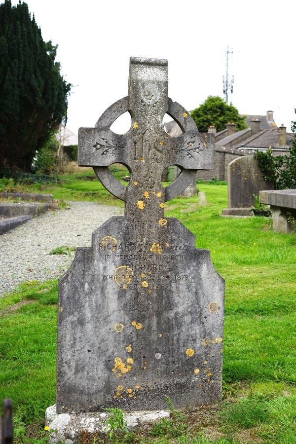 Keltischer Grundstein in altem Irland lizenzfreies stockfoto
