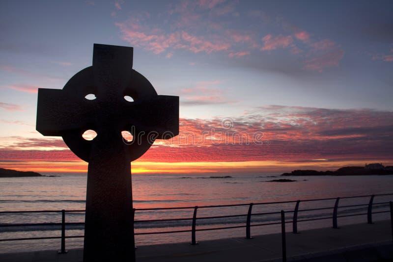 Download Keltisches Kreuz Am Sonnenuntergang Stockbild - Bild von keltisch, wales: 12202045