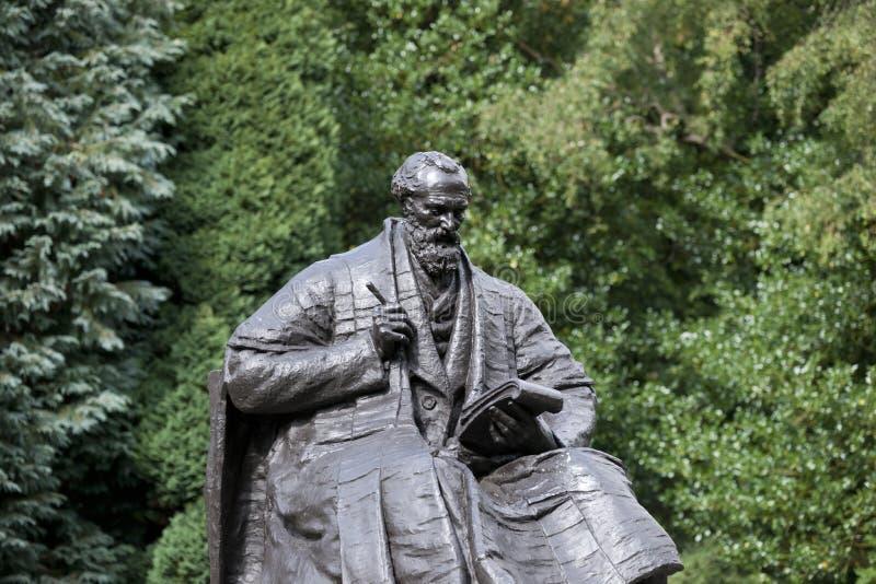 Kelvingrove公园、格拉斯哥、苏格兰、英国、2013年9月,雕象和纪念品对凯尔文阁下 免版税库存图片
