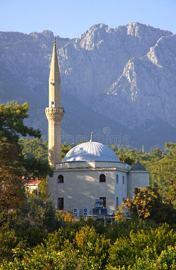 Download Kemer清真寺火鸡 库存图片. 图片 包括有 文化, 庭院, 布琼布拉, 聚会所, 小山, 蓝色, 清真寺 - 22357553