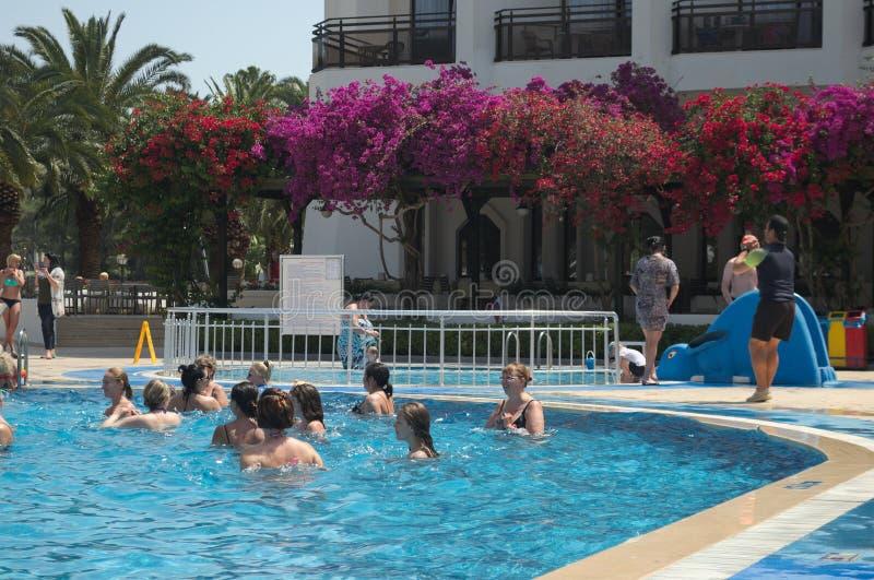 KEMER TURKIET - MAJ 10, 2018: Ozkaymak hotellmarina royaltyfria foton