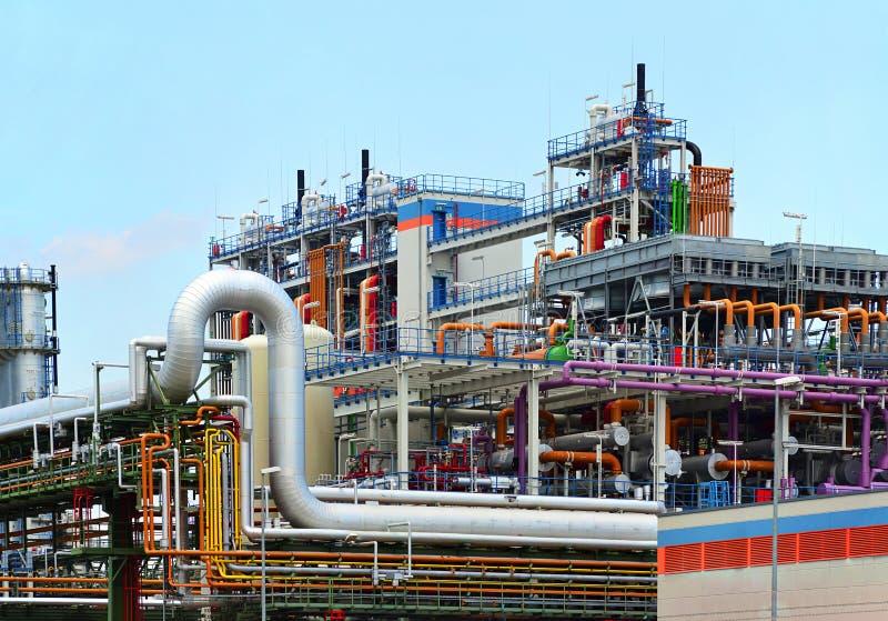 Kemisk bransch - fabrik för tillverkningen av kemisk pikstav royaltyfri fotografi
