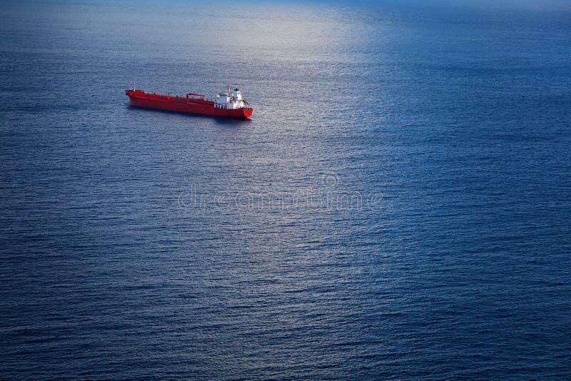 Kemisk tankfartyg i Atlanticet Ocean royaltyfria bilder