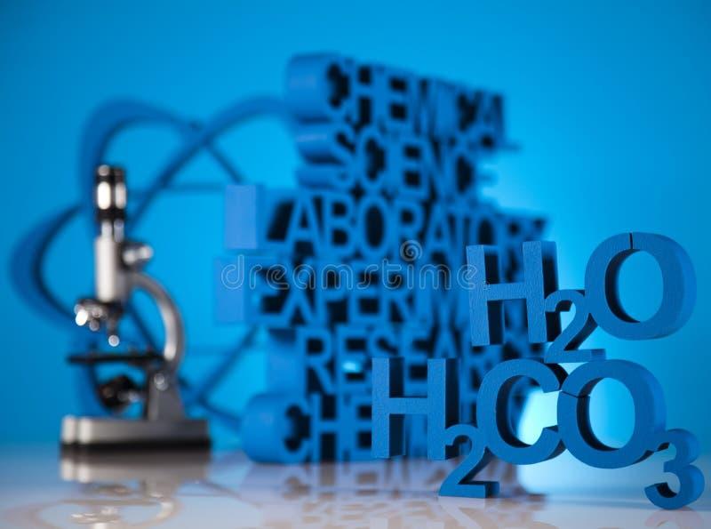 Kemivetenskapsformel, laboratoriumglasföremål royaltyfri bild