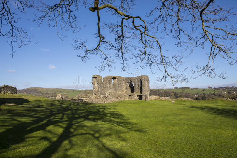 Kendal Castle i Cumbria royaltyfri bild
