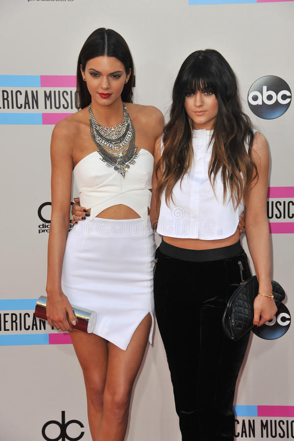 Kendall Jenner & Kylie Jenner imagens de stock royalty free