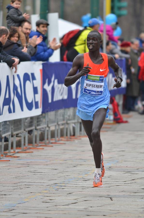 米兰市2013年马拉松运动员 图库摄影
