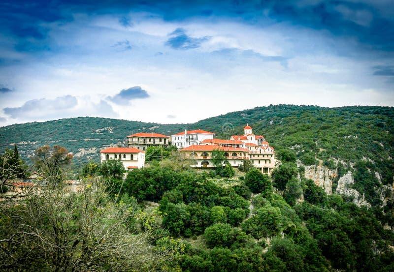Kenitsis monaster jest 2 km północy Nympassia i 6 Vitina vi fotografia stock