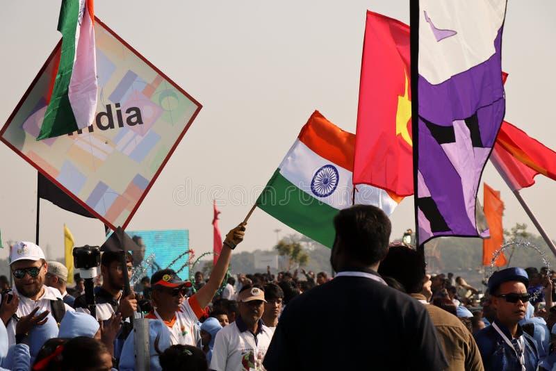 Kennzeichnen Sie das Marschieren auf opning Zeremonie an 29. internationalem Drachenfestival 2018 - Indien lizenzfreie stockfotografie