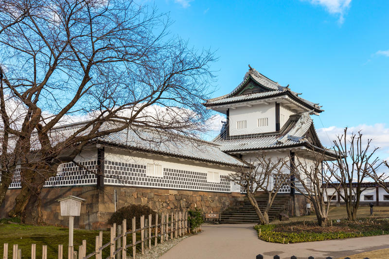 Kenrokuen庭院和今池城堡公园在今池,日本 库存照片