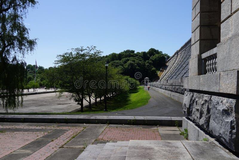 Kensico-Verdammungs-Piazza und Reservoir b 23 lizenzfreie stockfotografie