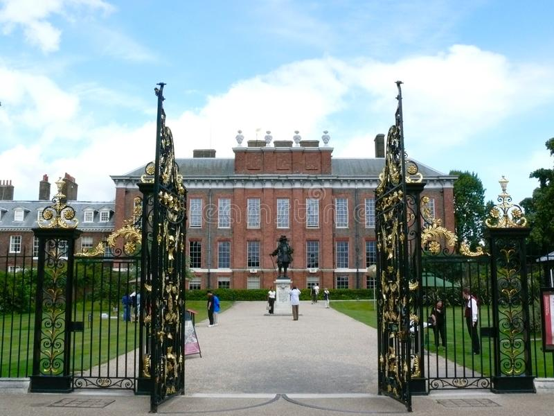 Download Kensington-Palast, Chelsea, London Redaktionelles Stockfotografie - Bild von kensington, königlich: 106802762