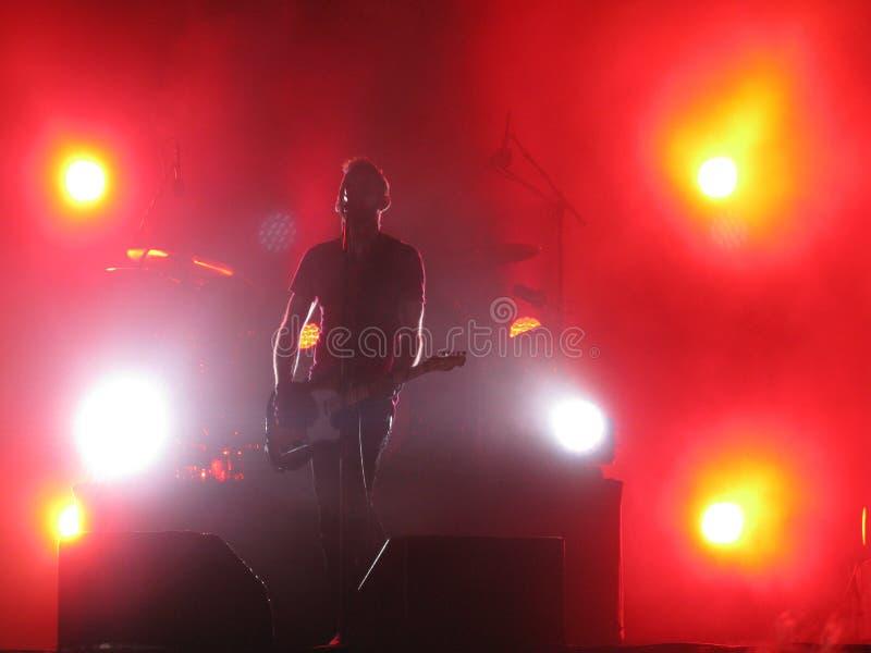 Kent leben im Konzert Oslo 2012 - Jocke Berg auf Gitarre stockbild