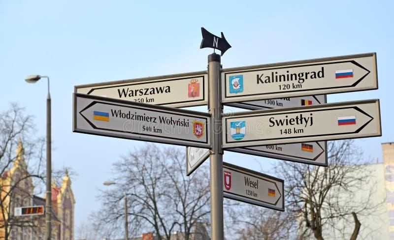 KENTShIN, ΠΟΛΩΝΙΑ Ο δείκτης των αποστάσεων και των κατευθύνσεων στις πόλεις της Ρωσίας, Ουκρανία, Γερμανία στοκ εικόνες