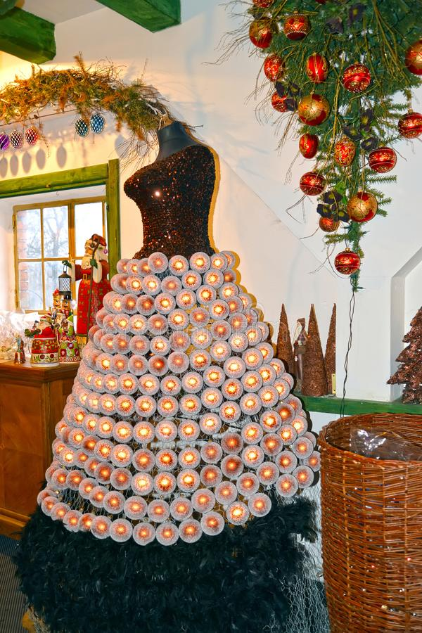 KENTShIN, POLEN  Fabriek van Kerstboomdecoratie stock fotografie
