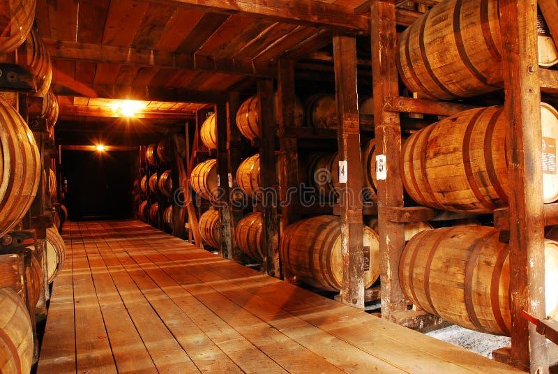Kentucky Bourbon, envelhecendo nos tambores imagens de stock royalty free