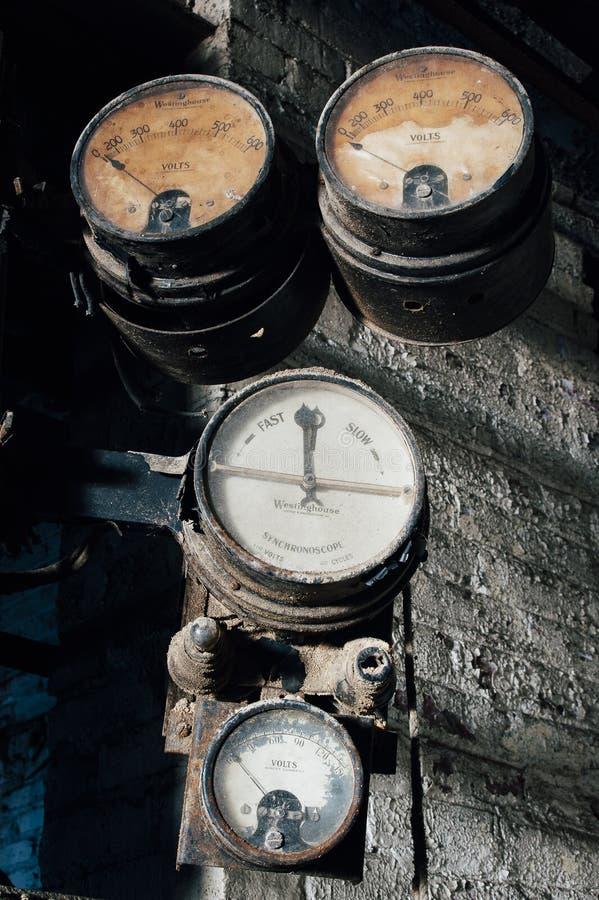Kentucky set Łamani wymierniki Czarny Liść Substancja chemiczna Firma, Louisville - zdjęcia stock