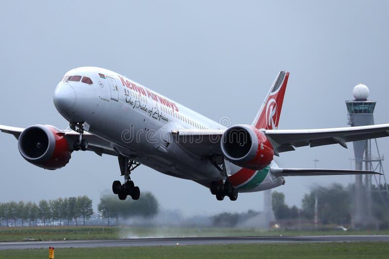 Kenya Airways a décollé de l'aéroport de Schiphol, l'AMS photographie stock libre de droits