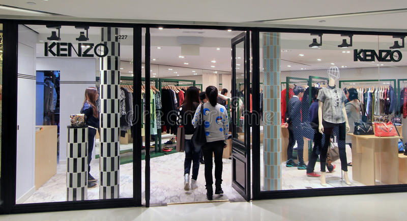 Kenzo shoppar i Hong Kong royaltyfria foton