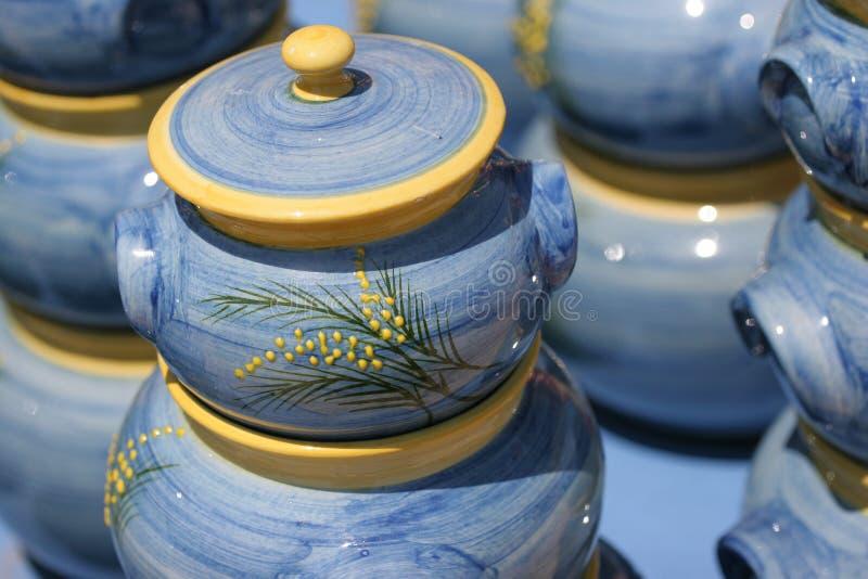 keramik färgglada franska riviera arkivfoton