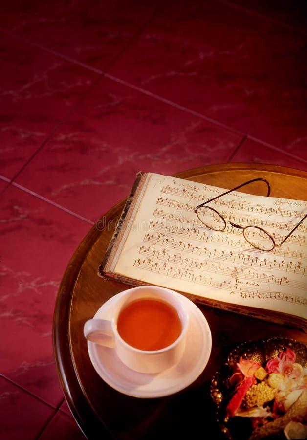 Download Keramikziegel stockbild. Bild von klassisch, buch, braun - 12201427