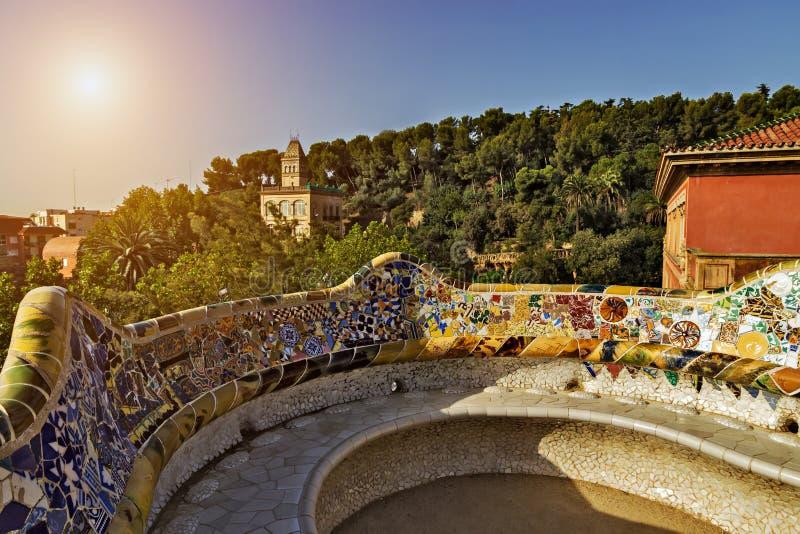 Keramische Bankfliese Barcelona, Spanien des Mosaiks lizenzfreie stockfotos